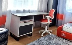Стол письменный Карбон - фото 10535